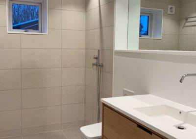 Badeværelse totalrenovering, før/efter