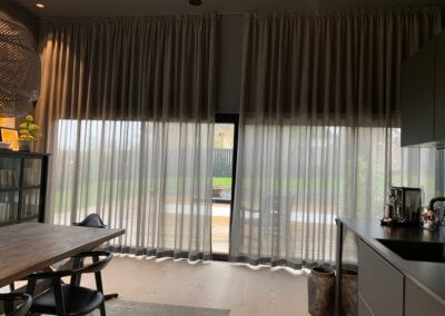 Gardinløsning til høje vinduer
