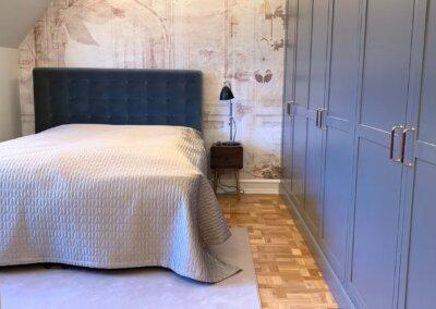 Soveværelse med bad før/efter